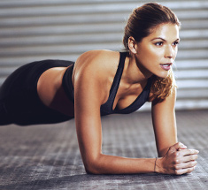 Woman doing a forearm plank